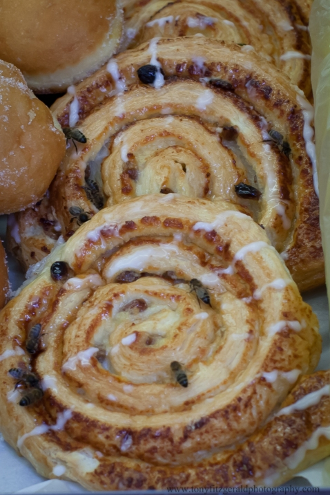 Honey rolls and bees in Amsterdam market